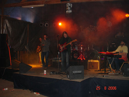 se Band on Stage